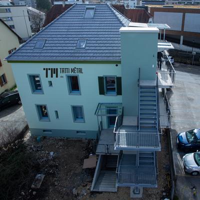 Pose et construction de garde-corps, clôture, balcon, terrasse, escalier