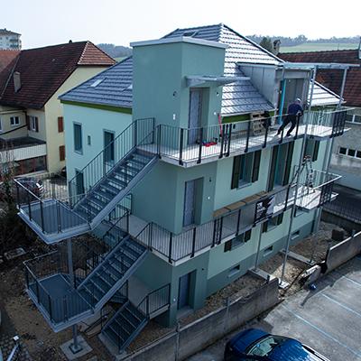 Bâtiment industriel, escalier - construction métallique